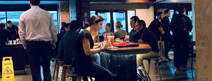 Starbucks is one of Gabriel'in Beğendiği Mekanlar.