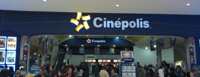 Cinépolis is one of Locais curtidos por Maria.