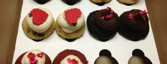 Sweetness Bake Shop & Cafe is one of Miami.