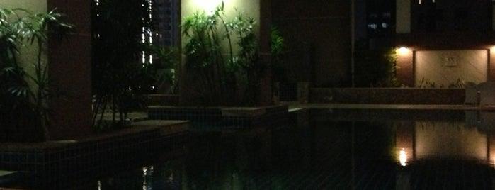 Swimming Pool is one of April'in Beğendiği Mekanlar.