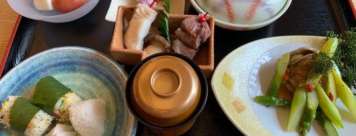 山里日本料理 Yamazato is one of 《臺北米其林指南》 2018 餐盤餐廳 MICHELIN Guide Taipei.