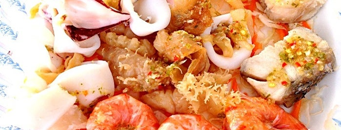 Pak Klong Seafood restaurant | ปากคลองซีฟู๊ด is one of ตะลอนชิม.