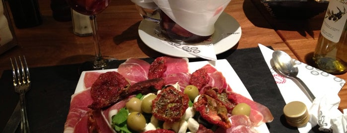 Ibérico is one of Pierreさんのお気に入りスポット.