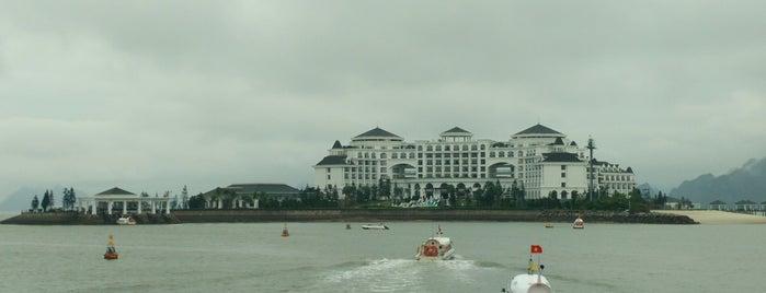 Vinpearl Ha Long Bay Resort is one of Akshay : понравившиеся места.