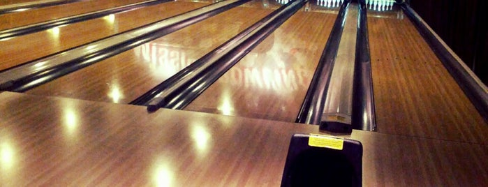 Mission Bowling Club is one of Erin & Brenden's SF.