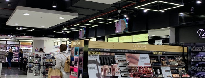 DBS Beauty Store is one of Lugares favoritos de Viña.