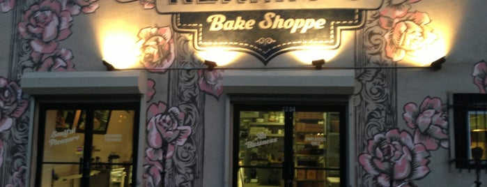 Kermit's Bake Shoppe is one of Locais curtidos por Özge.