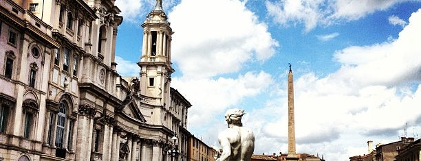 Plaza Navona is one of Roma - a must! = Peter's Fav's.