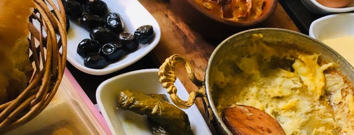 Yalova Organica Restaurant is one of GURME LEZZETLER (ESNAF & SALAŞ).