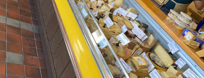 La Bodega Cheese Shop is one of Going back to Cali.