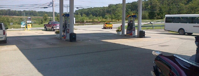 APlus at Sunoco is one of Locais curtidos por Alejandro.