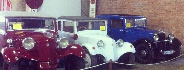 Múzeum dopravy is one of Locais curtidos por Владимир.