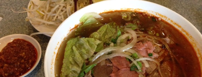 Pho Pasteur Saigon Restaurant is one of calgary.