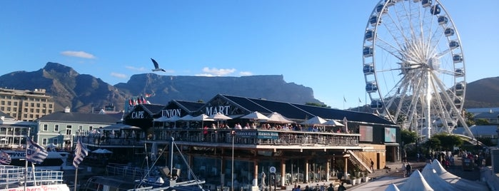 Cape Town Waterfront is one of Orte, die Ju gefallen.