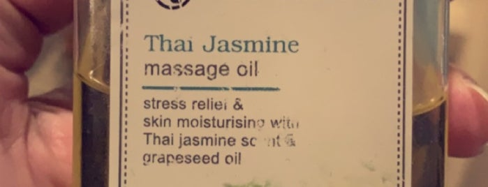 Thai Massage (For Ladies) is one of Queen 님이 저장한 장소.