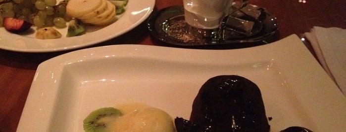 Ramada The Club Restaurant & Bar is one of Locais curtidos por Ali.
