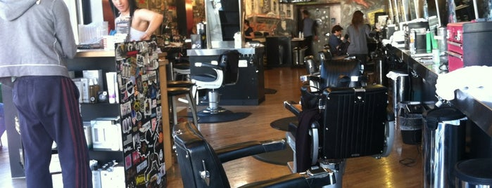 Floyd's 99 Barbershop is one of Lugares favoritos de Jonathan.