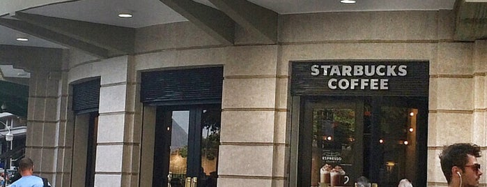 Starbucks is one of Daniela 님이 좋아한 장소.