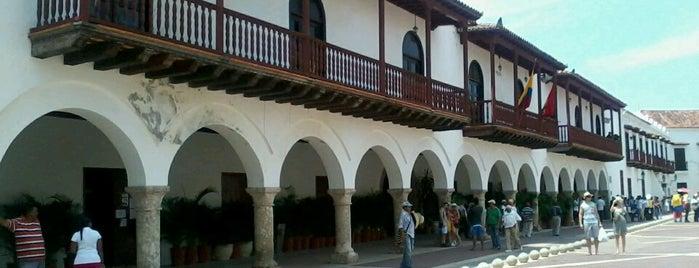 Plaza De La Aduana is one of Cartagenias.