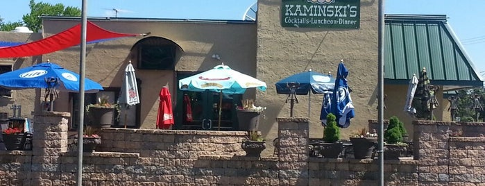 Kaminski Bar & Grill is one of สถานที่ที่ Andrew ถูกใจ.