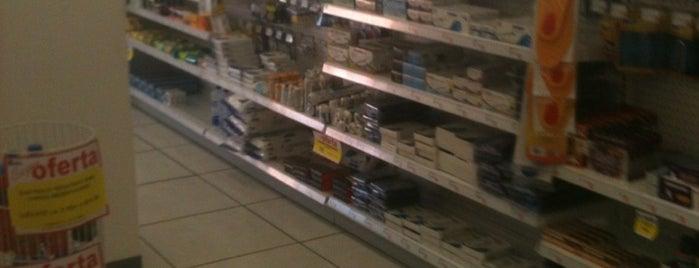 Farmacia Benavides is one of Lugares favoritos de Sergio M. 🇲🇽🇧🇷🇱🇷.