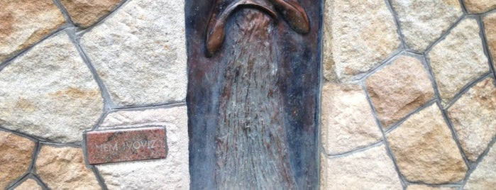 Rózsika Forrás is one of Budai hegység/Pilis.