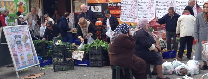 Sarıyer Market is one of Orte, die Emre gefallen.