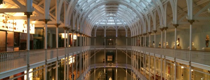 National Museum of Scotland is one of Tempat yang Disimpan Elena.