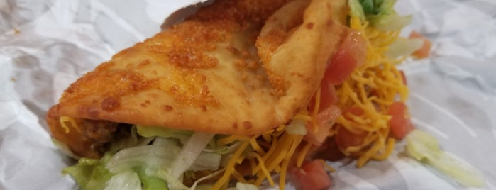 Taco Bell is one of Tempat yang Disukai Jack.