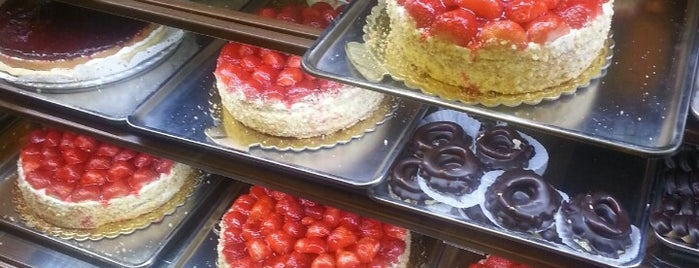 Hans Pastry Shop | شیرینی هانس is one of Kuchen.