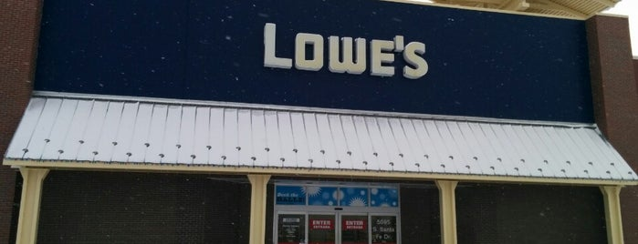 Lowe's Home Improvement is one of Locais curtidos por Katherine.