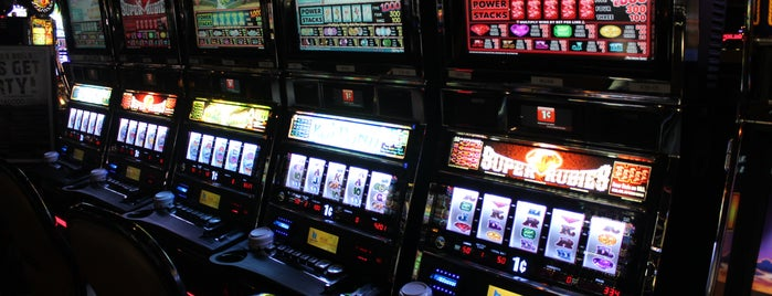 Chisholm Trail Casino is one of Lugares guardados de charlotte.