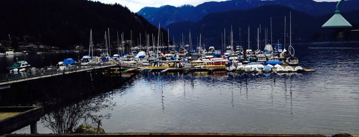 Deep Cove Yacht Club is one of North Shore.