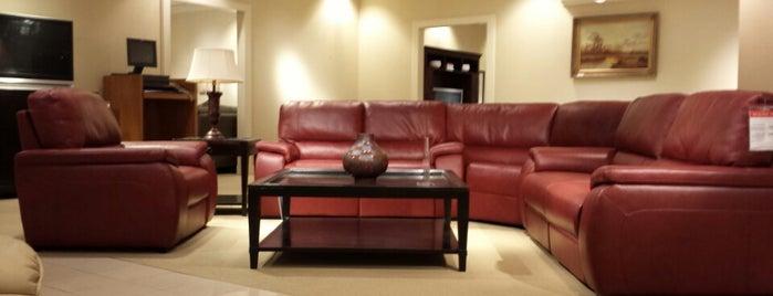 Macy's Furniture Gallery is one of Lugares favoritos de TripleJ18.