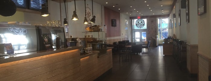 The Coffee Bean & Tea Leaf is one of NYC Places I Went.