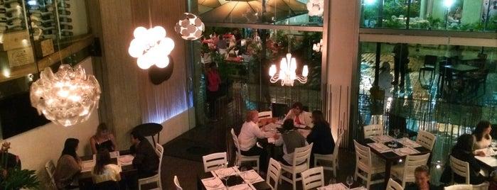 OLIO Restaurante is one of Locais curtidos por Massiel.