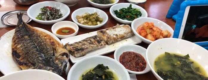 중앙식당 is one of All about Jeju.