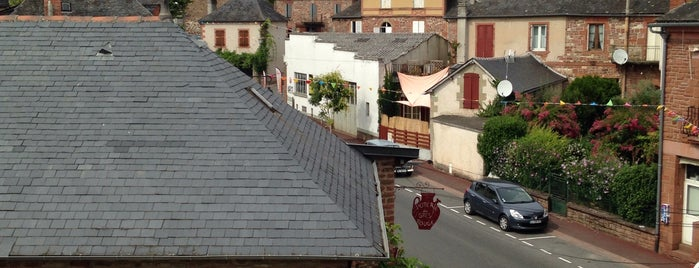 Le Relais Du Quercy is one of Locais curtidos por Marc.