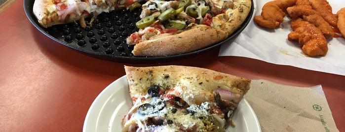 Village Pizza is one of Locais curtidos por Alejandra.