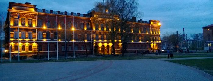 Площадь имени Дерунова is one of สถานที่ที่ Водяной ถูกใจ.