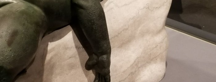 Michelangelo: Divine Draftsman And Designer is one of Locais curtidos por Michael.