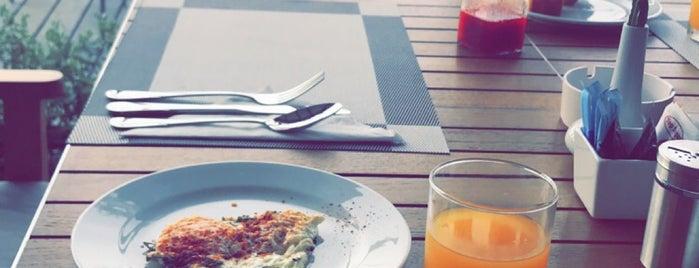 White Box Restaurant is one of Phuket.