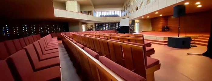 Annie Pfeiffer Chapel is one of Frank Lloyd Wright.