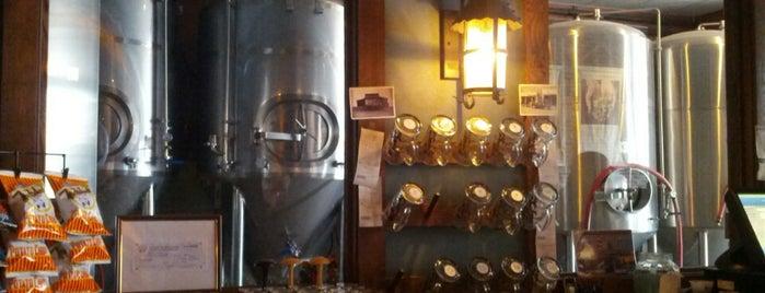 Carlyle Brewing Co. is one of Posti salvati di Derek.