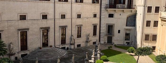 Hotel Vilòn is one of Lieux qui ont plu à Alan.