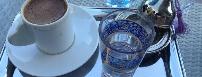 Cafe S is one of Orte, die Yunus gefallen.