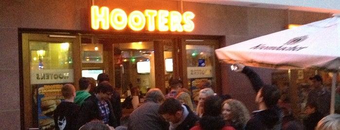 Hooters is one of SMS FRANKFURT Group Travel 님이 좋아한 장소.
