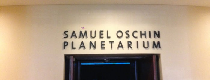 Samuel Oschin Planetarium is one of Tempat yang Disukai Barry.