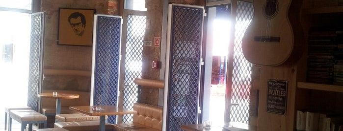 Guesthouse Bar is one of Orte, die Pedro gefallen.