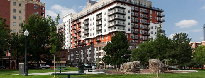 Radius Uptown Apartments is one of Posti che sono piaciuti a Khem.